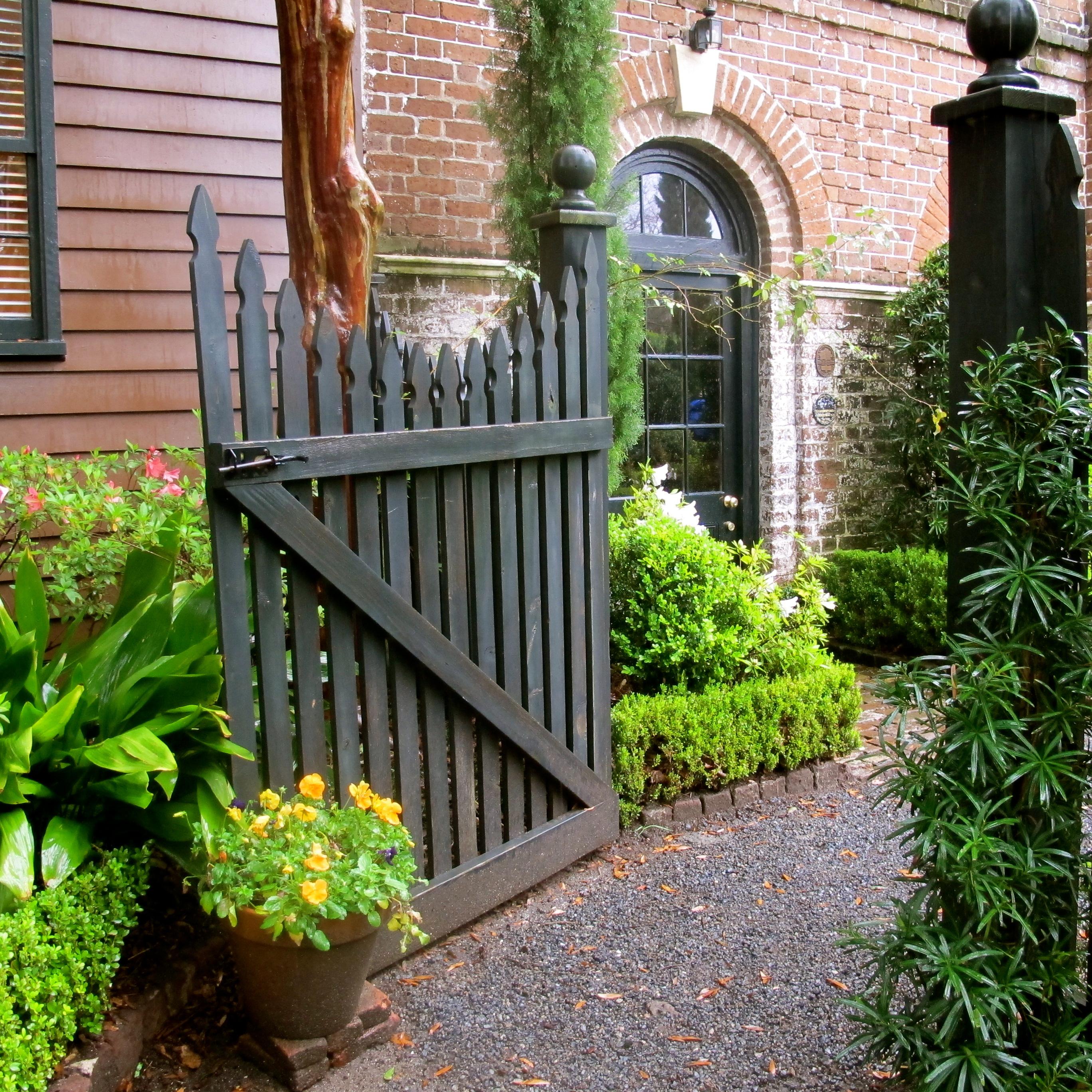Charleston gate